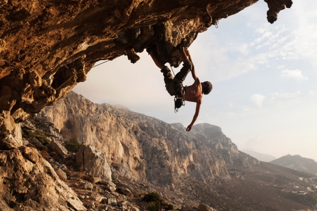 article_outdoor_training_climbing