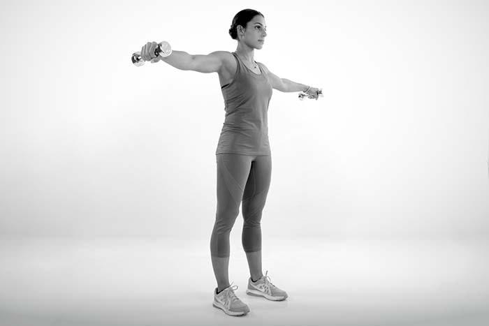 Hochzeitskleid Workout Fitness Schlank Figur Seitheben