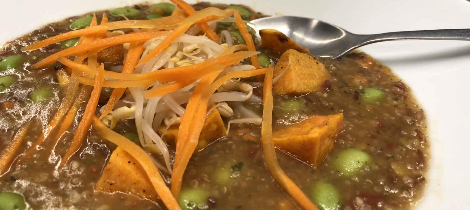 Holmes Place | Η συνταγή του Ηolmes Place café: ζεστή σούπα με όσπρια, ρύζι & κινόα