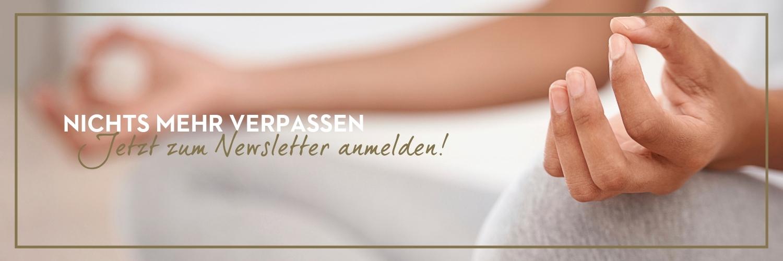 Newsletter Banner - Frau die meditiert
