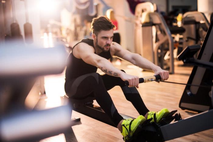 Workout Übungen Körperhaltung Rudern Sitzen