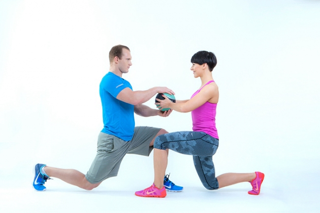 workout_paare_ball_squat_1