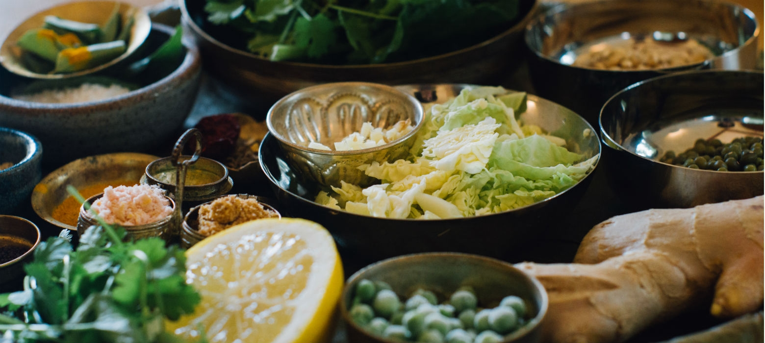 Holmes place | Μεσημεριανό κριθάρι kichadi