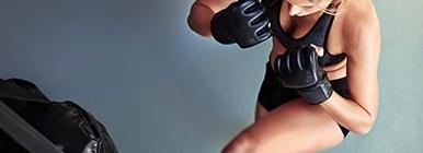 Mulher a praticar movimentos de defesa | Treino | Holmes Place