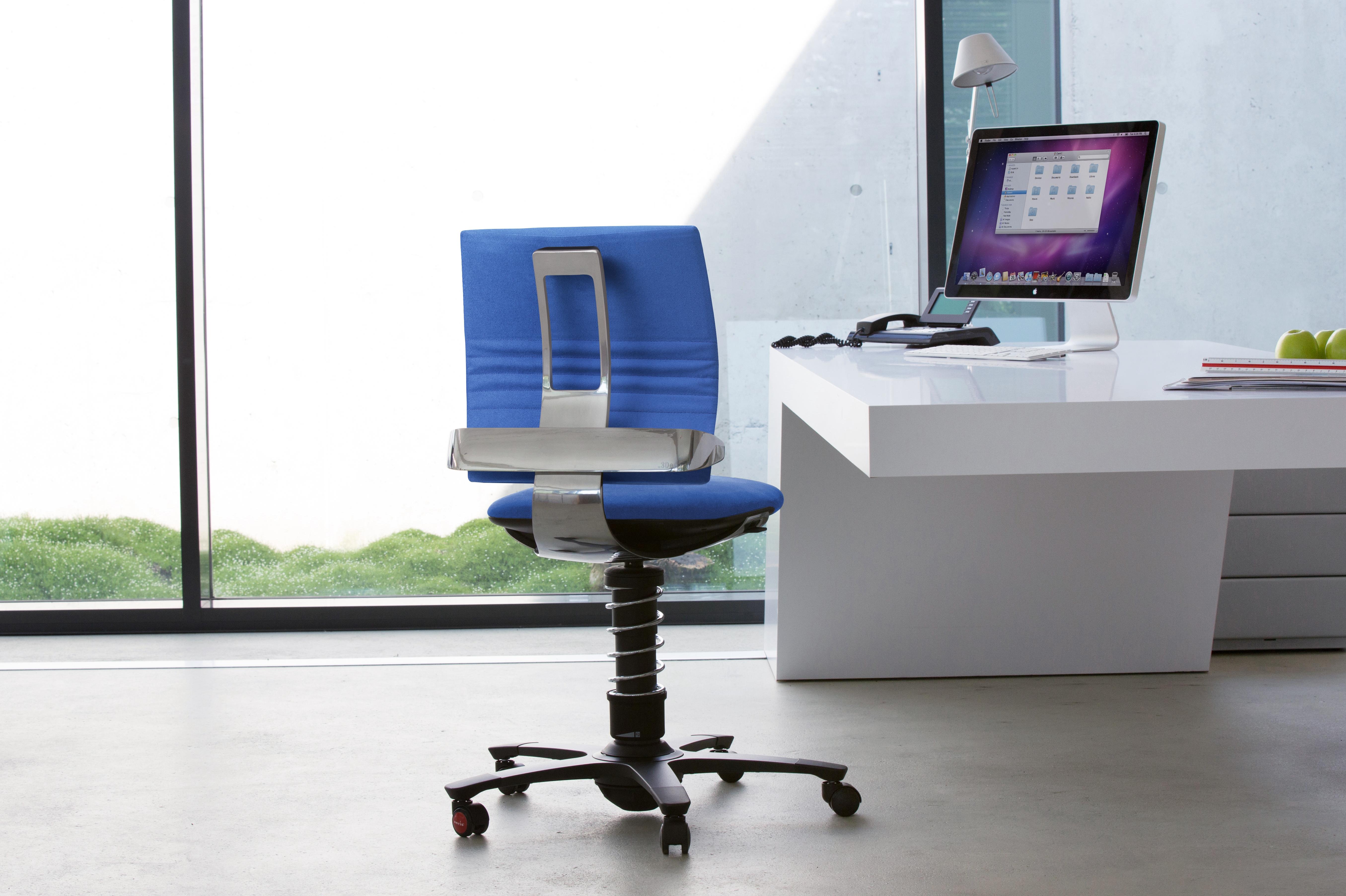 Dynamiczny fotel biurowy 3Dee w Holmes Place