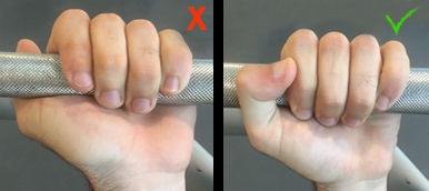É um erro executar o supino plano com barra usando uma pega sem oposição do polegar | Holmes Place