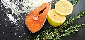 Salmão | Dieta para aumentar a sensação de bem-estar | Holmes Place